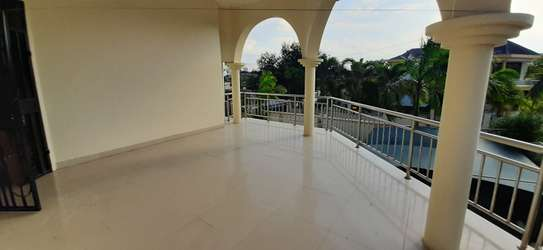 4 Bedrooms House For Rent in Msasani image 5