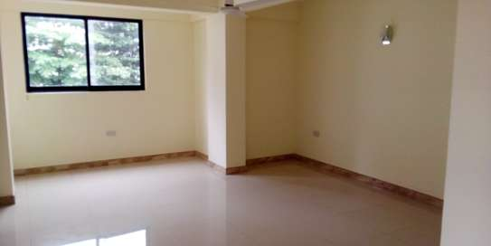 SPECIOUS 3 BEDROOMS SEMI FURNISHED FOR SALE AT KARIAKOO image 9
