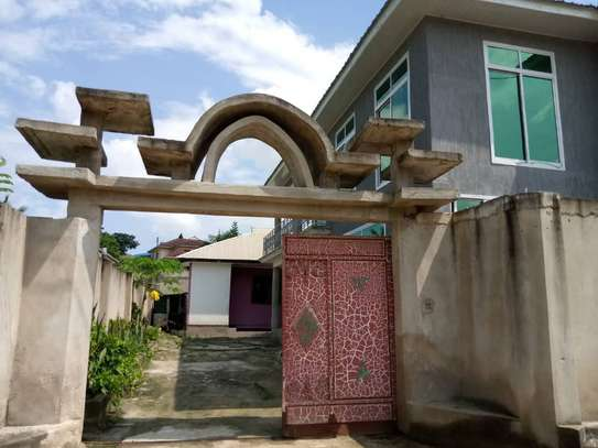 2 in 1 House in 1 compound at kimara image 2
