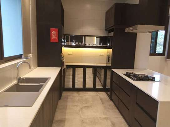 Luxury One bdrm Apart fully furnished for rent At MASAKI image 9