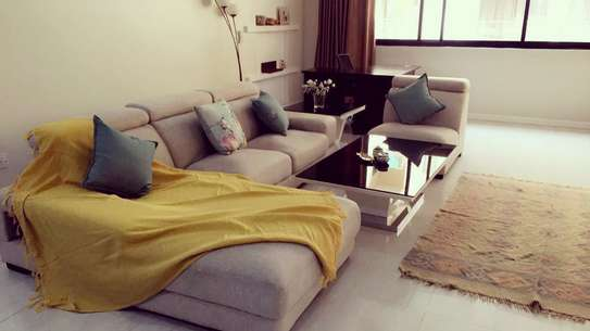 Spacious 3 Bedrooms Modern Apartment In Oyster Bay