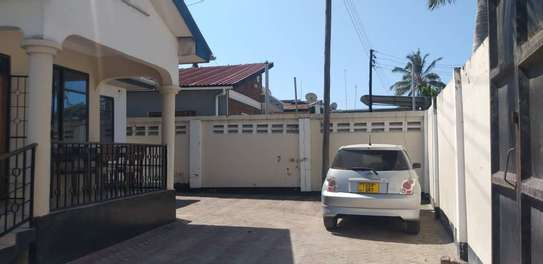 3 bed room stand alone house  with boy quater  for sale  at kinondoni studio image 5