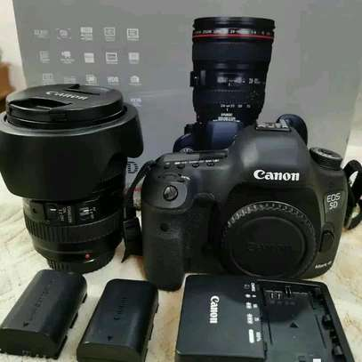 CANON 5D MARK III WITH 24-105MM image 1