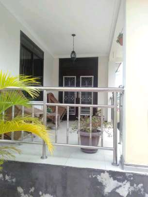 3 Bdrm House for rent Full Furnished.