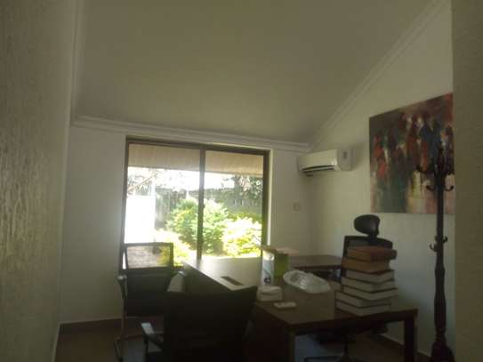 4bedroom house in Ada estate to let $1500 image 3