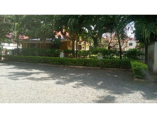 3bed compound house at oyster bay with big garden  on tarmac image 5
