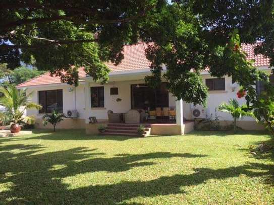 4bed beautfully house at masaki $5000pm nice pool fantastic garden ch image 10