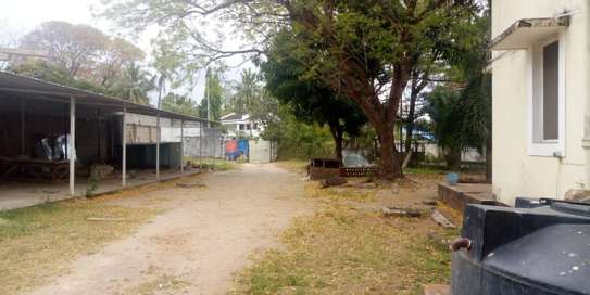 4bed  a stand alone house at regent estate  with big compound  ideal for school image 5