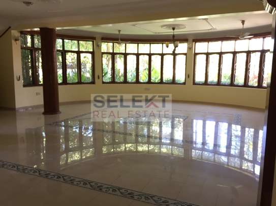4 Bdrm Standalone Spacious House in Masaki image 5