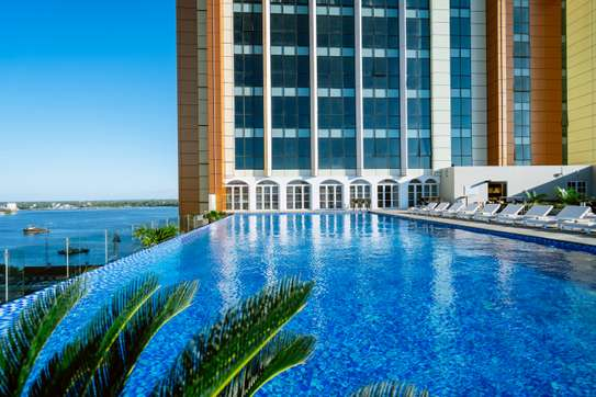Luxury One Bedroom Apartment at Johari Rotana Hotel image 9