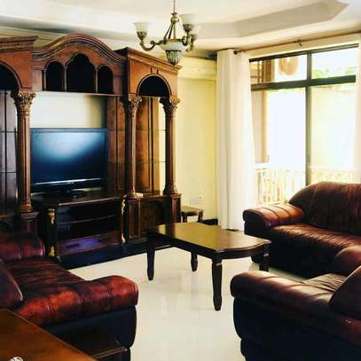 4bedrooms full furniture for rent image 6