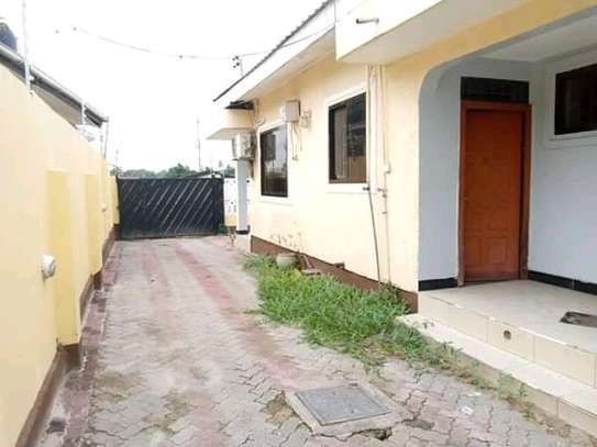Standalone house for rent kijitonyama image 10