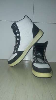 Mtumba Shoes