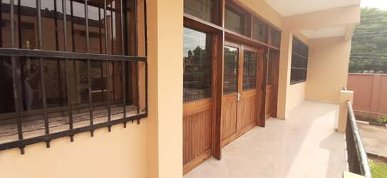 6 Villas Each With 3 Bedrooms (Plus Maids)) For Renting The Whole Compound in Masaki image 9
