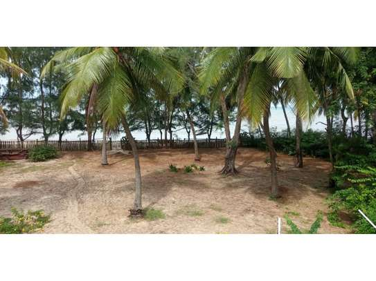 beach house 8bed at mbezi beach $2500pm plus 3bed house total 11 bed image 9
