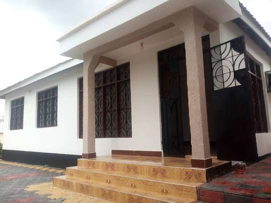 Rent house in Kunduchi