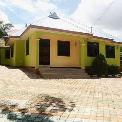 3 bedroom house for rent image 1