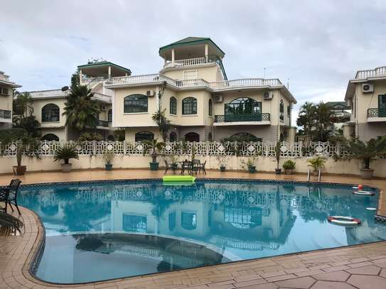 Villa for rent in Oysterbay image 1