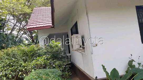 CUTE HOUSE FOR RENT STAND ALONE image 8
