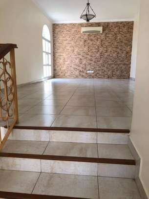 4 Bedrooms Large Home For Rent in Oysterbay image 4