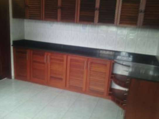 3BEDR.APARTMENT FOR RENT AT NJIRO BLOCK  C image 2