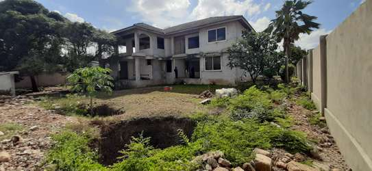 4/5 Bedrooms Large House For Sale in Masaki in the Peninsula image 8