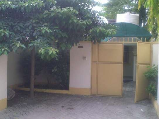 One Bedroom Self Contained Private House image 1