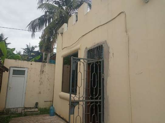 1bed villa at mikocheni b tsh 500,000 image 6