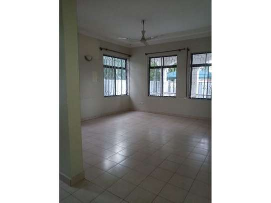 3bed room house at mbez beach tsh 1.million image 11