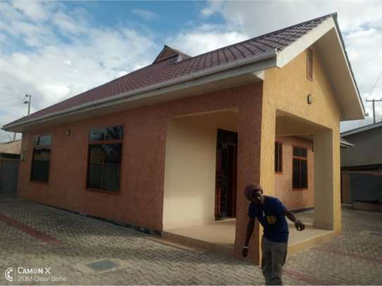 3bed house at mikocheni 1000000