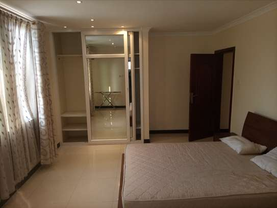 Luxury 2 bedrooms Apartment Fully furnished for rent image 6