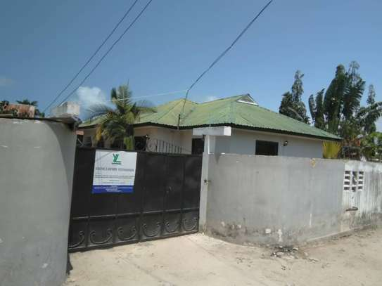 3bed house for sale at bunju tsh 70milion area 800sqm along main rd image 12