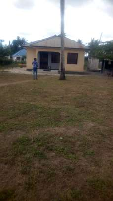 Plot and house for sale-kitunda-Sqm 2625 image 1