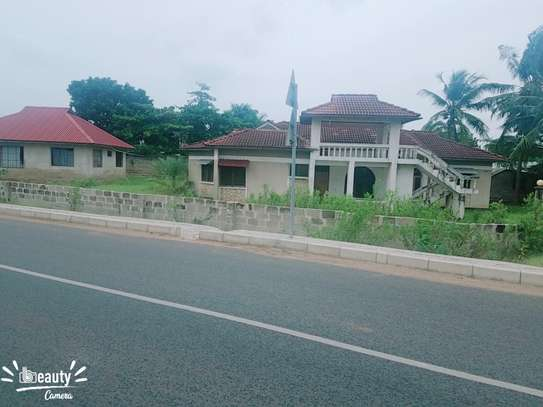 2 Houses in 1 Compound mbezi beach image 3