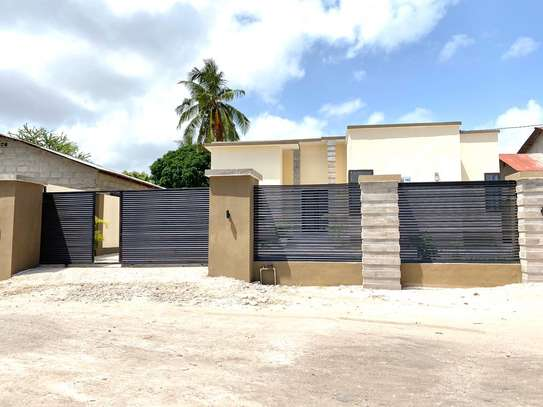 3 bed room house for rent at tegeta image 9