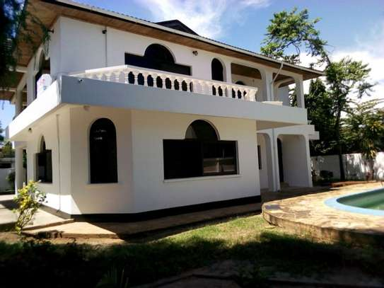 5bed house at mikocheni $2500pm image 10