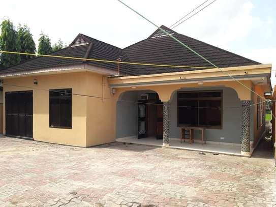 HOUSE FOR RENT AT KINONDONI image 1