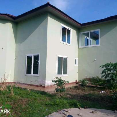 HOUSE FOR RENT BAHARI BEACH image 5