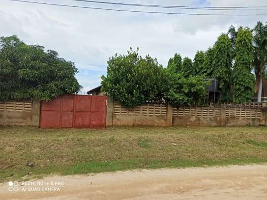 4 bed room house for sale 400mil at mbezi beach image 2