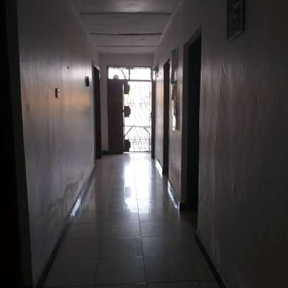 3bed apartment at upanga $1300pm for rent image 7