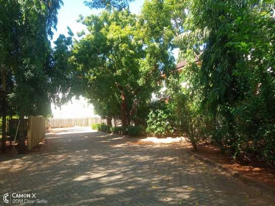 4bed house shared  the compound near george and dragon at masaki $2500pm image 11
