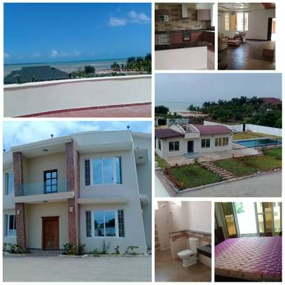 4 BEDROOM VILLA AT MBEZI BEACH FOR RENT/ NEAR SHOPPERS image 1