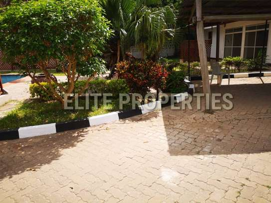 Elegant 4 bedroom stand alone for rent at Masaki image 3