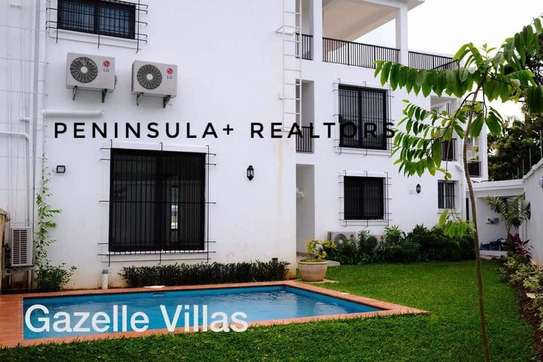 4 bedroom modern compound/villa house with private pool