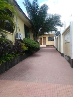 3 Bdrm House for rent Full Furnished. image 4