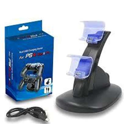 DUAL USB CHARGING STAND FOR PS PS4 CONTROLLER image 1