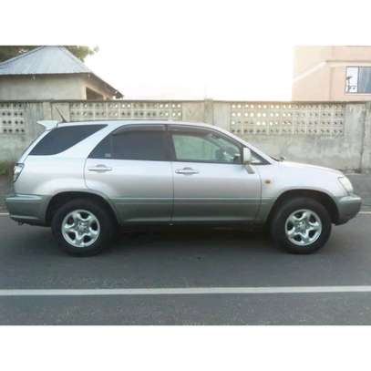 2002 Toyota Harrier image 7