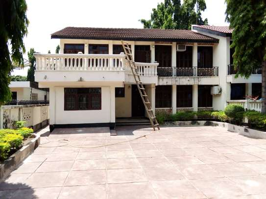 5 bed room house for rent at mikocheni , house ideal for office or residential image 2