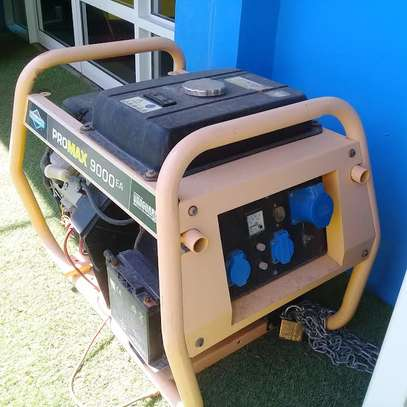 11.9KW BRIGGS & STRATION UK PETROL GENERATOR 7.5MILLION