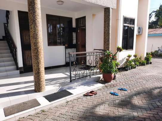 a 1bedroom fully furnished at mikocheni very close to shoppers plaza on a paved road image 1